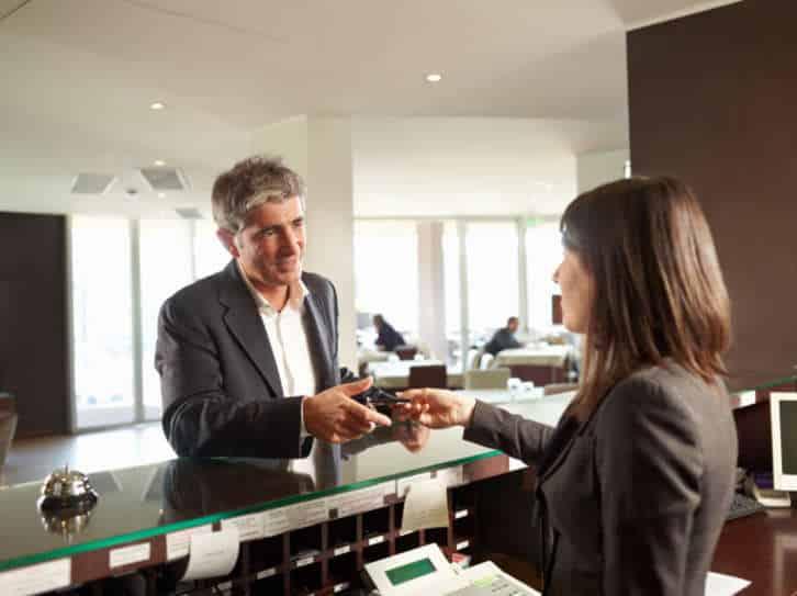 Como crear videos promocionales para hoteles o para el sector turistico