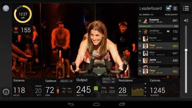 spinning peloton cycle ponte en forma haciendo ejercicios en streaming