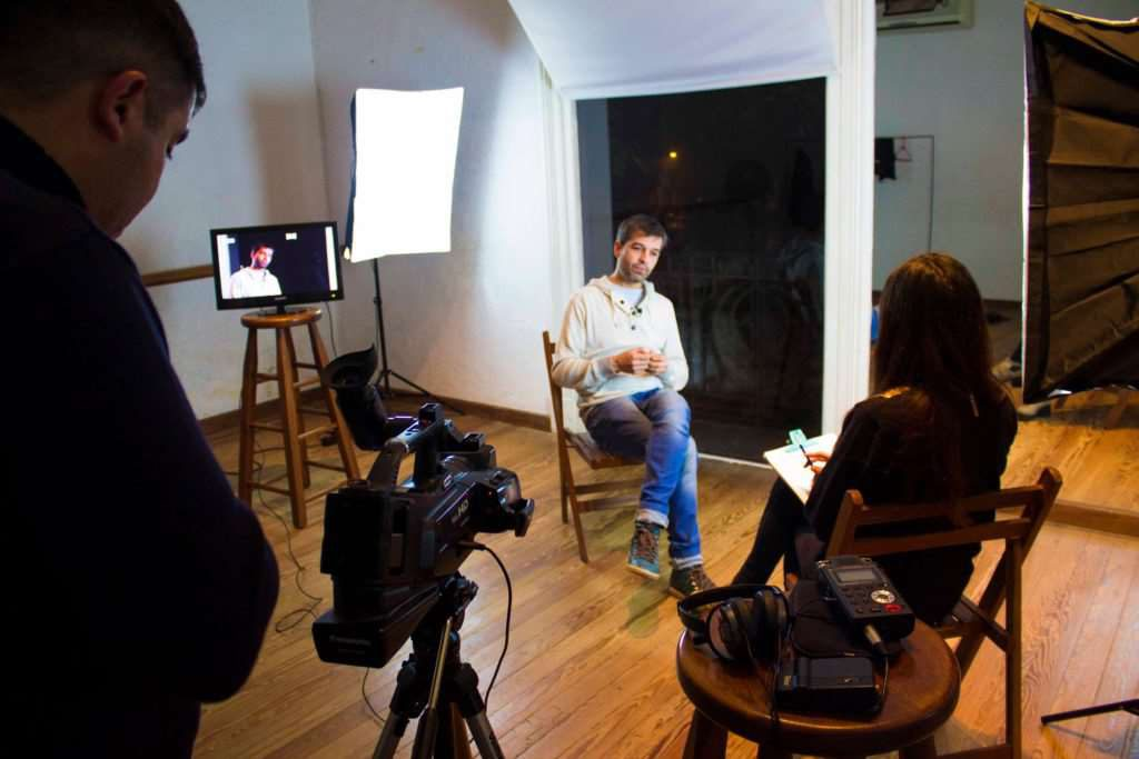 claves para hacer una buena video entrevista min 1024x683 | Vídeo entrevista: las principales claves para hacer un buen trabajo